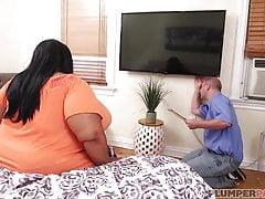 fat ebony lady gets some service